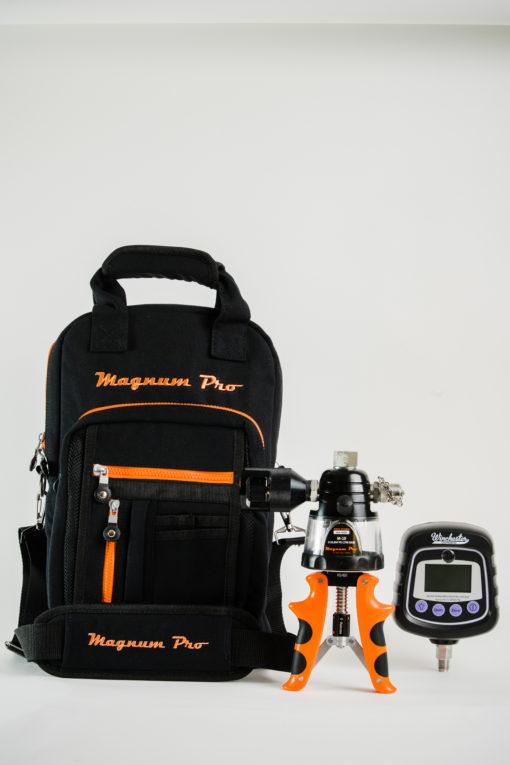Magnum Pro M-10 Hydraulic Calibration Pump with canvas bag